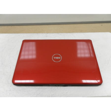 Preowned T2 Dell 1545 1545-2016 Windows 7 Laptop in Black & Red