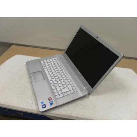 Preowned T2 Sony Vaio PCG-7181M Windows 7 Laptop in Silver