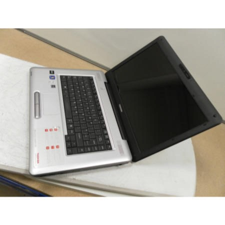 Preowned T2 Toshiba Satellite L450D PSLY5E-01M01LEN - Silver