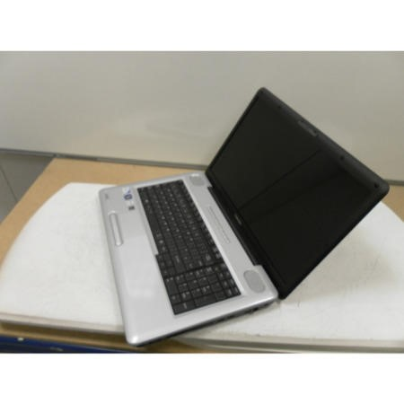 Preowned T1 Toshiba Satellite L550-1CC 17.3 inch Windows 7 Laptop