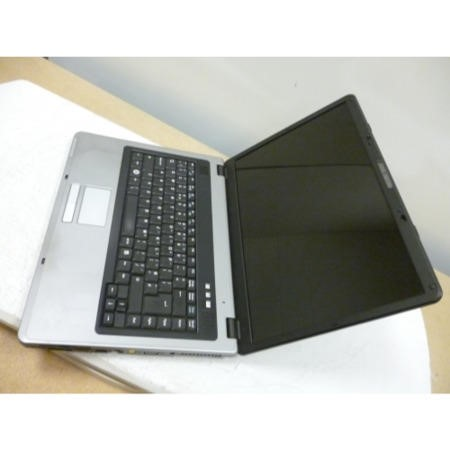 Preowned T3 Advent DivonSXP ADVENT9215 Laptop in Black