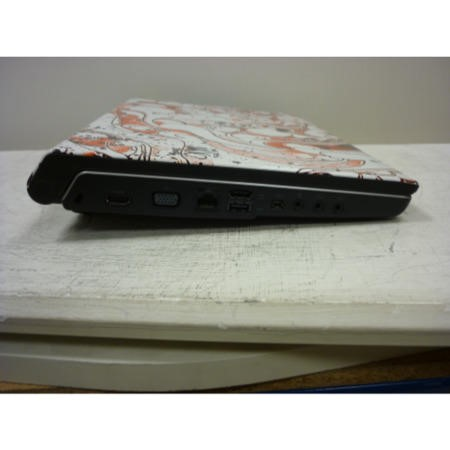Preowned T1 Dell 1555 1555-4PYRSN1 Laptop with Black/Grey Patternerd Lid
