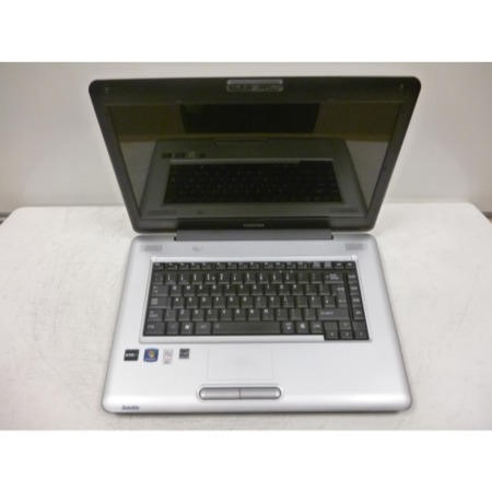 Preowned T2 Toshiba Satellite L450D-133 PSLY5E-00J01LEN Laptop in Silver