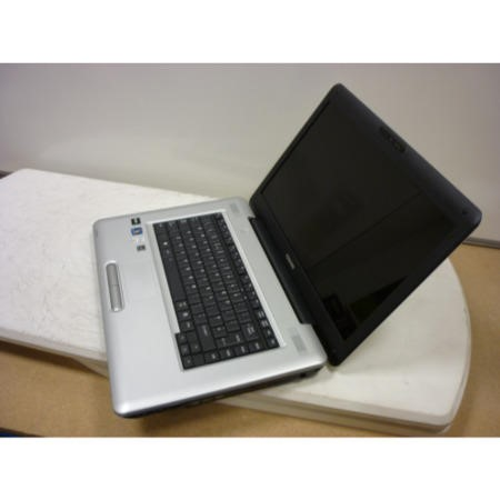 Preowned T2 Toshiba Satellite L450D-11H Windows 7 Laptop