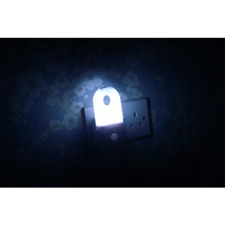 Pack of 3 Portable Night Lights with Motion Sensor and Built in LED Torch